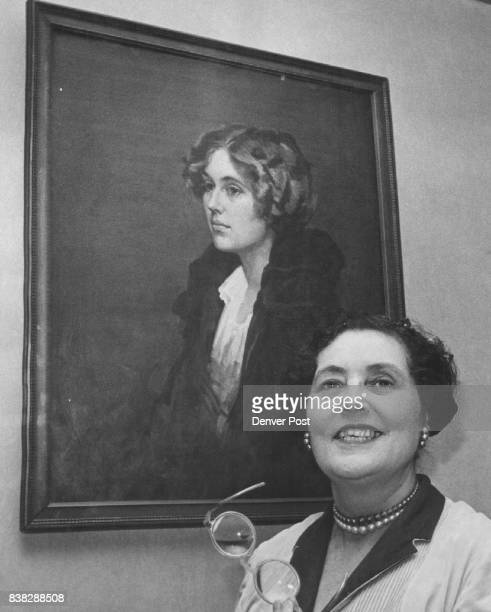 Miss Caroline Bancroft with a painting of herself by John Trubee in Paris in 1924 Credit Denver Post