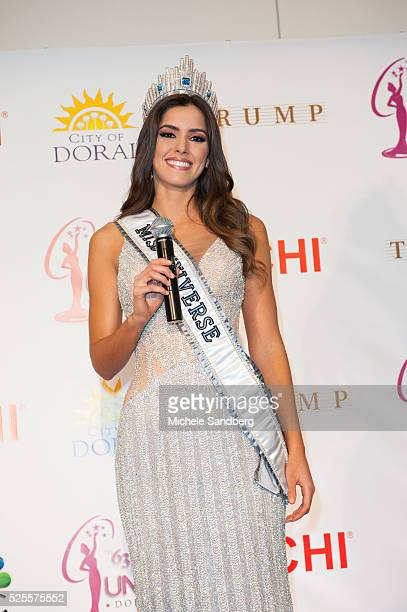 Miss Colombia Paulina Vega walks the red carpet after being crowned Miss Universe
