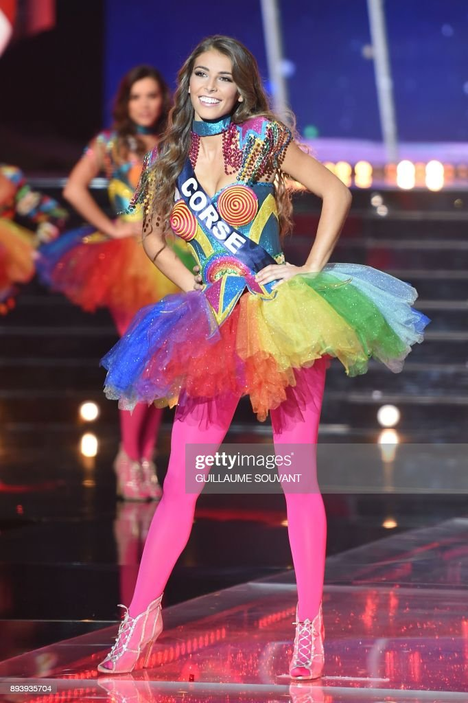 Miss Corsica Eva Colas performs during the Miss France 2018 pageant ... 2ea943145c0