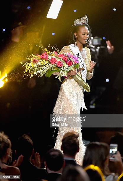 Miss District of Columbia USA 2016 Deshauna Barber reacts after being crowned the new Miss USA during the 2016 Miss USA pageant at TMobile Arena on...