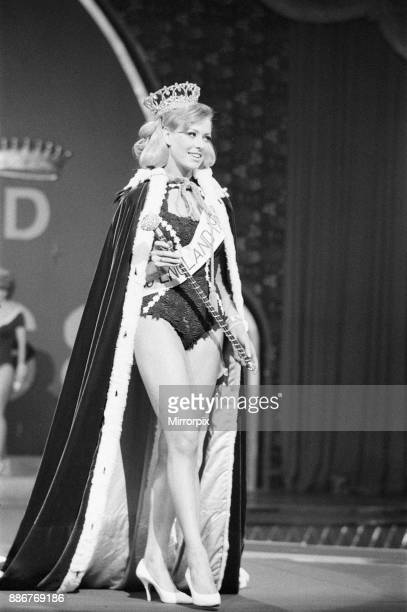 Miss England Beauty Competition 1968 the Lyceum Ballroom London Friday 26th April 1968 Jennifer Lowe Summers is crowned Miss England 1968