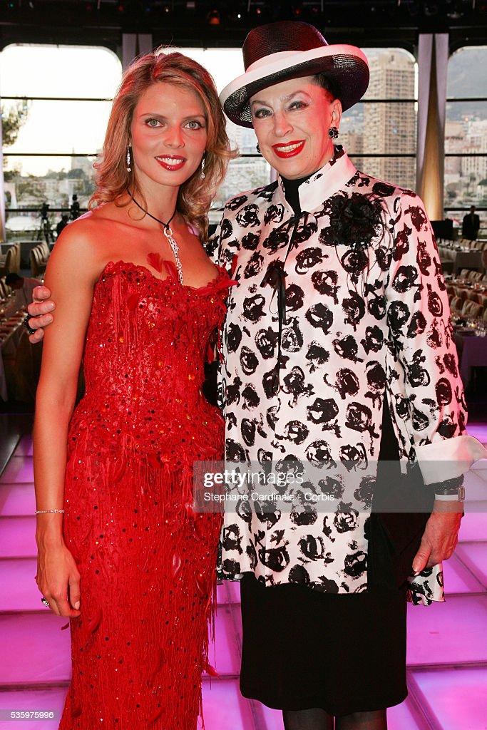 Miss France 2002 Sylvie Tellier (L) and Genevieve de Fontenay.
