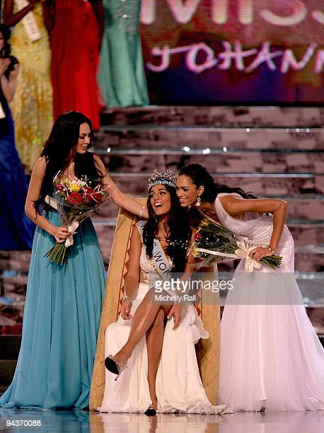 Miss Gibraltar Kaiane Aldorino is crowned Miss World 2009 with runner up Miss Mexica Perla Beltran Acosta and 3rd place Miss South Africa Tatum...
