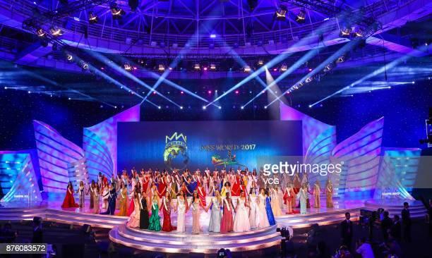 Miss India Manushi Chhilar celebrates after winning the 67th Miss World final contest on November 18 2017 in Sanya Hainan Province of China