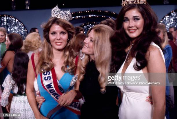 Miss Indiana crowned Miss World fellow contestant Lynda Carter at the 1972 Miss World pageant Royal Albert Hall