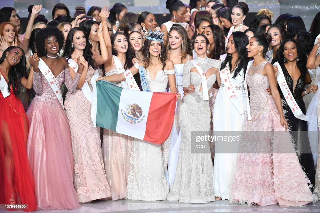 Official Thread of Miss World 2018 ® Vanessa Ponce De León - MEXICO - Page 2 Miss-mexico-vanessa-ponce-de-leon-holding-the-mexican-national-flag-picture-id1079444960