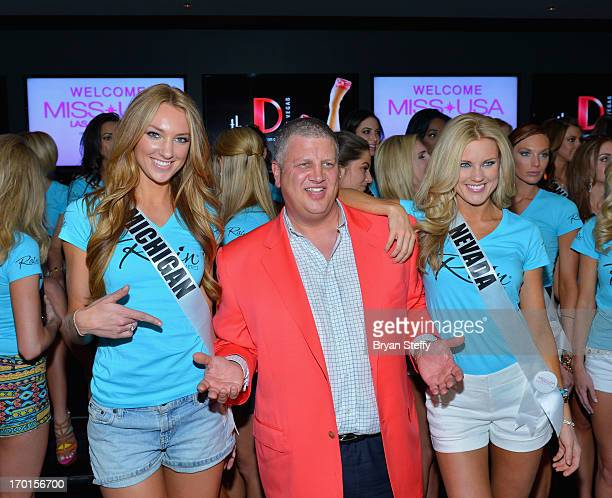 Miss Michigan USA Jaclyn Schultz the D Las Vegas Owner Derek Stevens and Miss Nevada USA Chelsea Caswell appear at the Miss USA meet and greet at the...