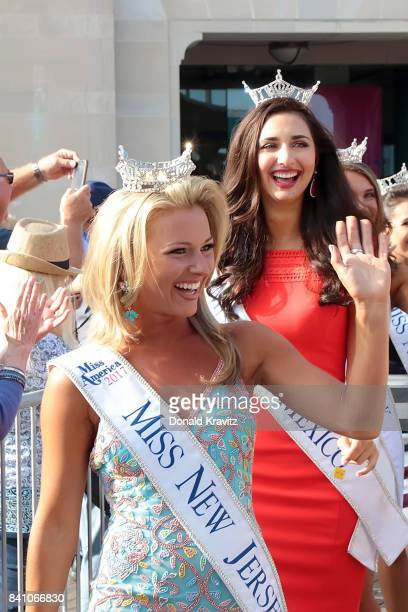 Miss New Jersey Kaitlyn Schoeffel joins the new 2018 Miss America contestents at Kennedy Plaza on August 30 2017 in Atlantic City New Jersey