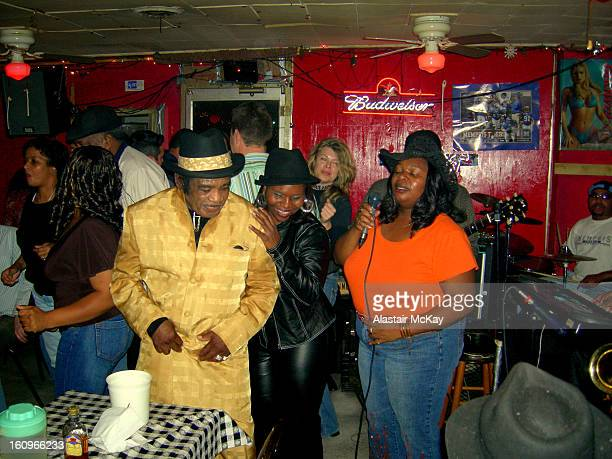 CONTENT] Miss Nickki leads the Memphis Soul Survivors at Wild Bill's lounge 1580 Vollintine Ave Memphis TN Wild Bill's is a popular live...