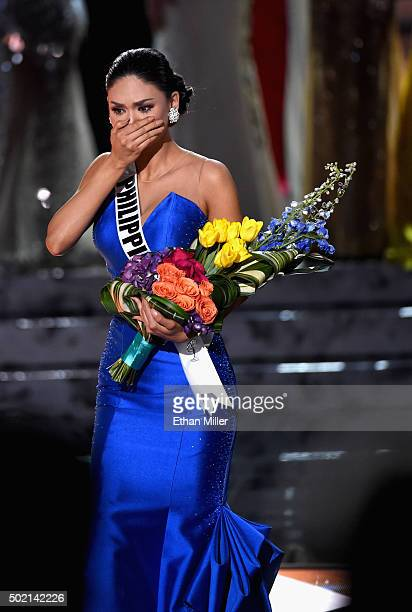 Miss Philippines 2015 Pia Alonzo Wurtzbach who was mistakenly named as first runnerup reacts as she is named the 2015 Miss Universe during the 2015...