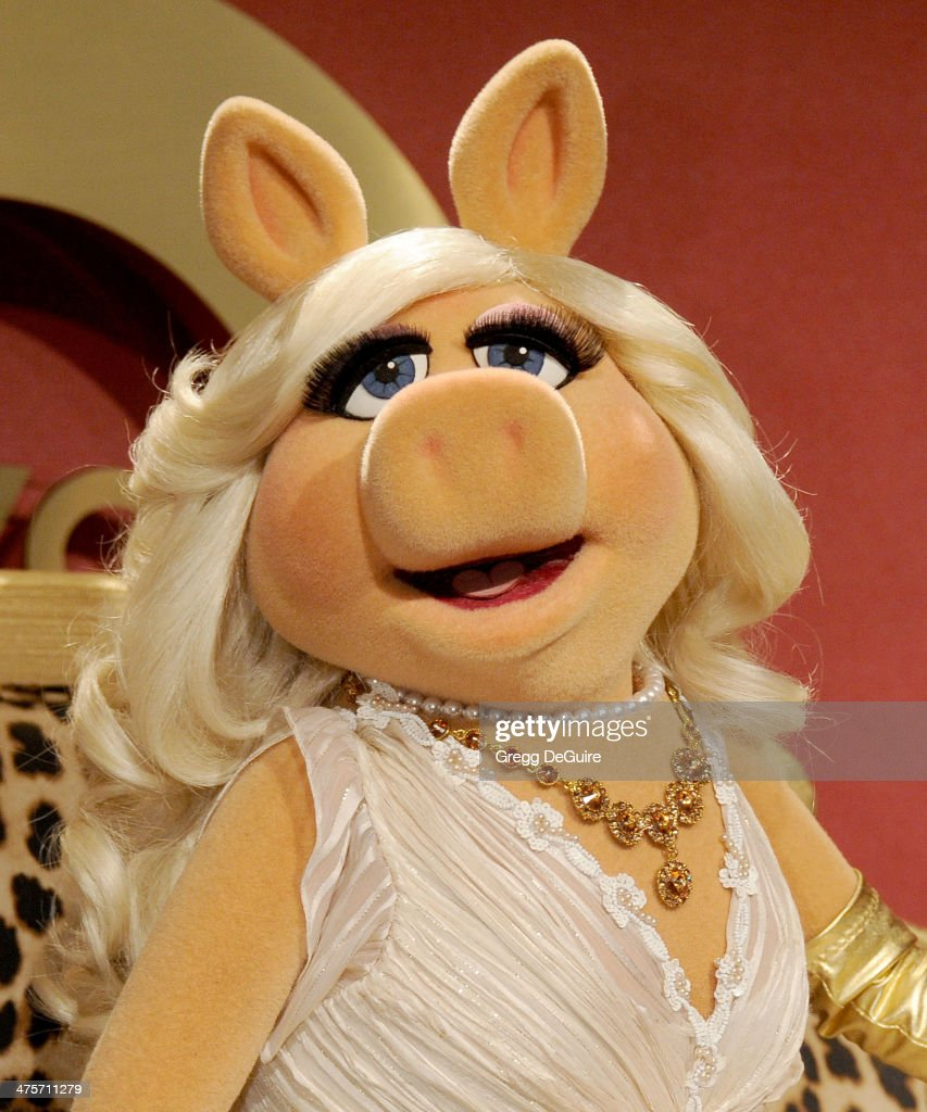 Miss Piggy arrives at the QVC 5th Annual Red Carpet Style event at The Four Seasons Hotel on February 28, 2014 in Beverly Hills, California.