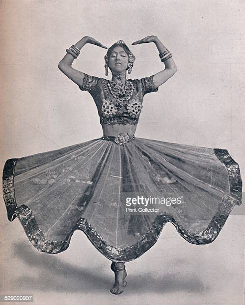 Miss Ruth St Denis in her Remarkable East Indian Dance at the Aldwych Theatre 1906 Ruth Saint Denis was a modern dance pioneer introducing eastern...