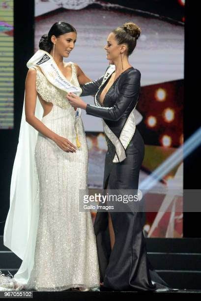 Miss SA 2018 Tamaryn Green and Miss Universe 2017 DemiLeigh NelPeters during the Miss SA 2018 beauty pageant grand finale at the Time Square Sun...