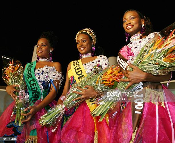 Miss Senegal 2007 Dialo Aminata poses late 30 November after winning 2007 Miss West African States Community contest in Abidjan with secondplaced...