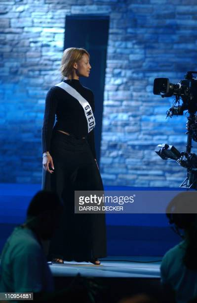 Miss Sweden 2002 Malou Hansson rehearses for the 2002 Miss Universe Competition 26 May 2002 in San Juan Puerto Rico The 51st Annual Miss Universe...