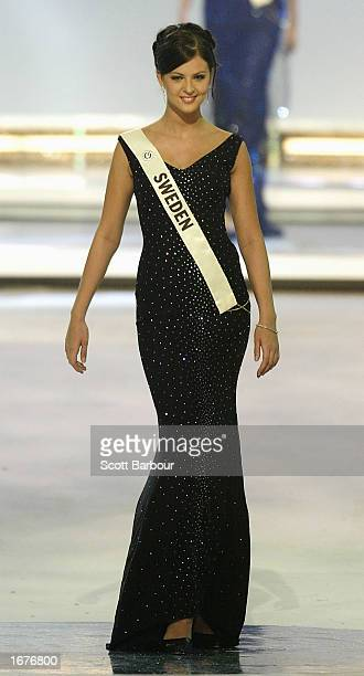 Miss Sweden Sophia Hedmark stands as she is introduced to the audience at the Miss World 2002 competition December 7 2002 in London England The Miss...