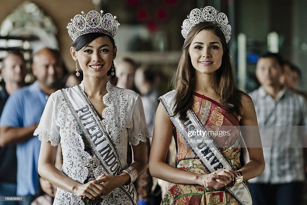 Miss Universe 2012, Olivia Culpo (L), and newly-crowned Puteri Indonesia 2013 Whulandary (R), attend a press conference at the Sheraton hotel on February 7, 2013 in Yogyakarta, Indonesia. Olivia Culpo, a beauty pageant contestant from the United States, was crowned Miss Universe in 2012.