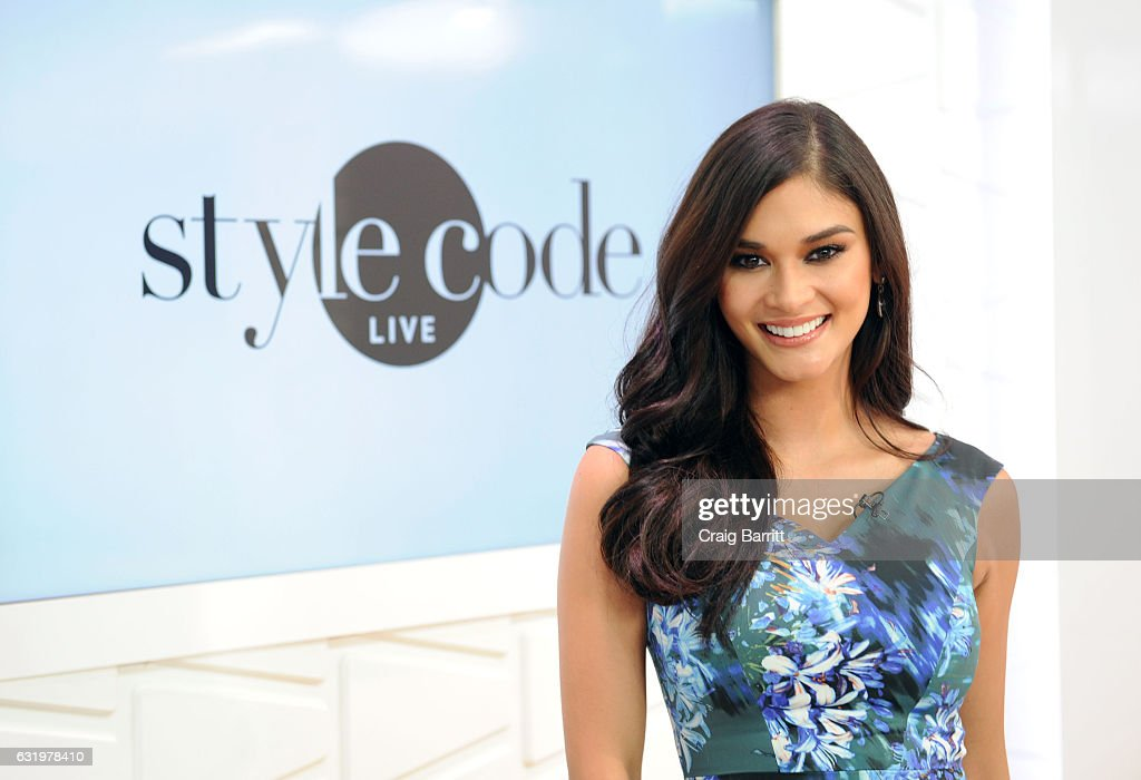Miss Universe 2016 Pia Wurtzbach Appears On Amazon's Style Code Live : News Photo