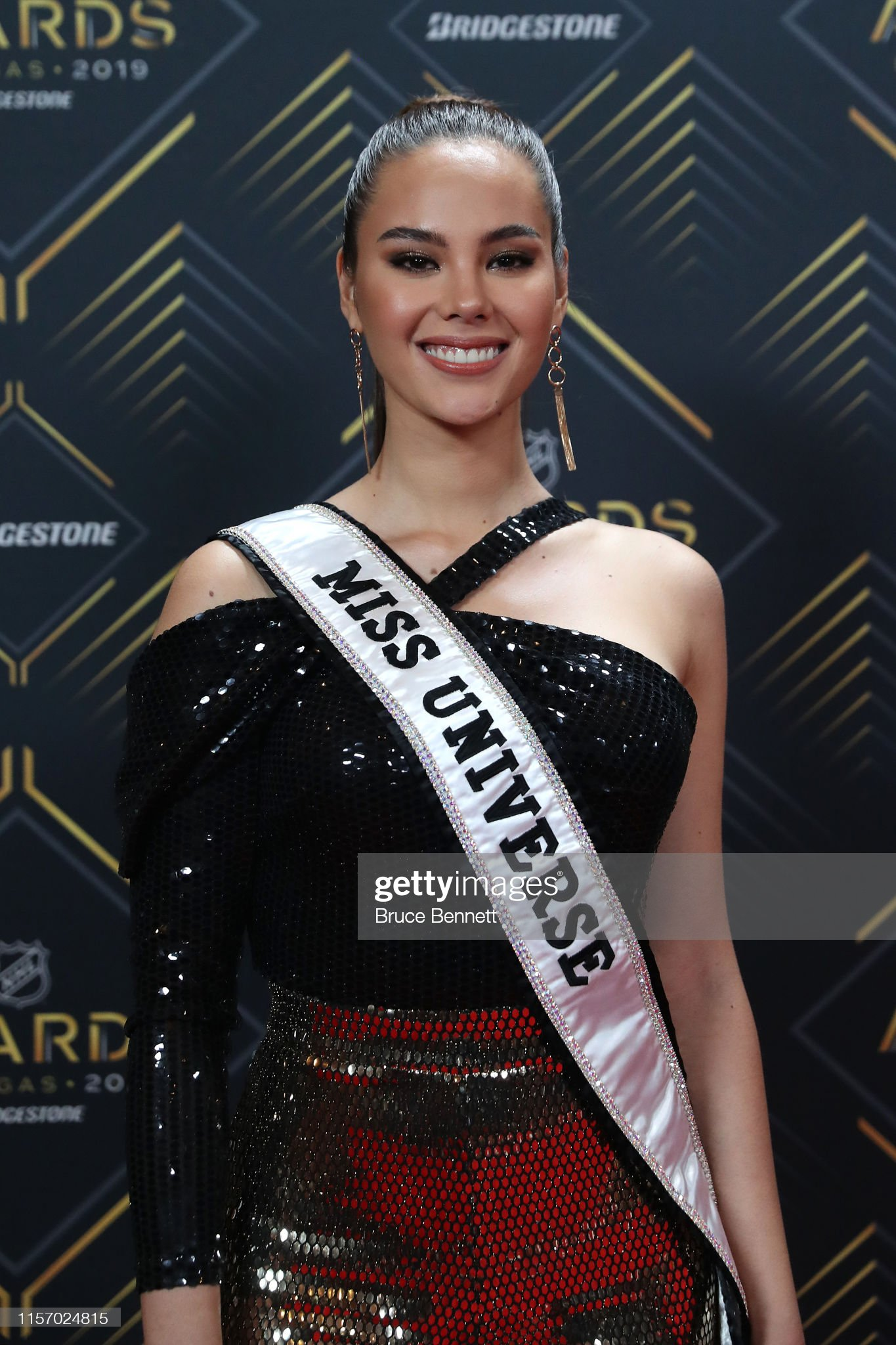 2018 | MISS UNIVERSE | CATRIONA GRAY - Page 34 Miss-universe-2018-catriona-gray-arrives-at-the-2019-nhl-awards-at-picture-id1157024815?s=2048x2048