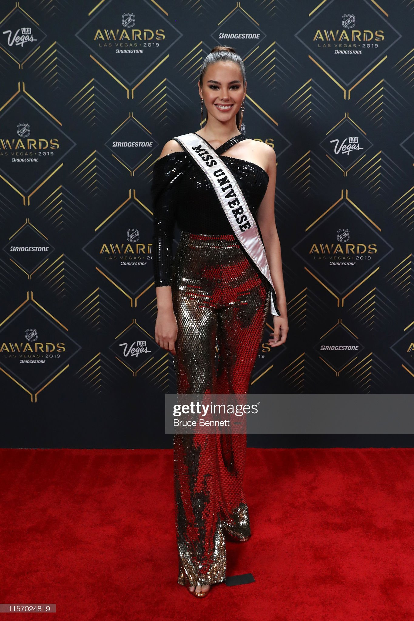 2018 | MISS UNIVERSE | CATRIONA GRAY - Page 34 Miss-universe-2018-catriona-gray-arrives-at-the-2019-nhl-awards-at-picture-id1157024819?s=2048x2048