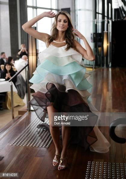 Miss Universe Australia 2008 Laura Dundovic | Super WAGS