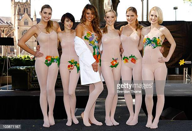 Miss Universe Australia Jesinta Campbell poses with models at the launch of Girls Night in 2010 on September 7 2010 in Sydney Australia Women all...