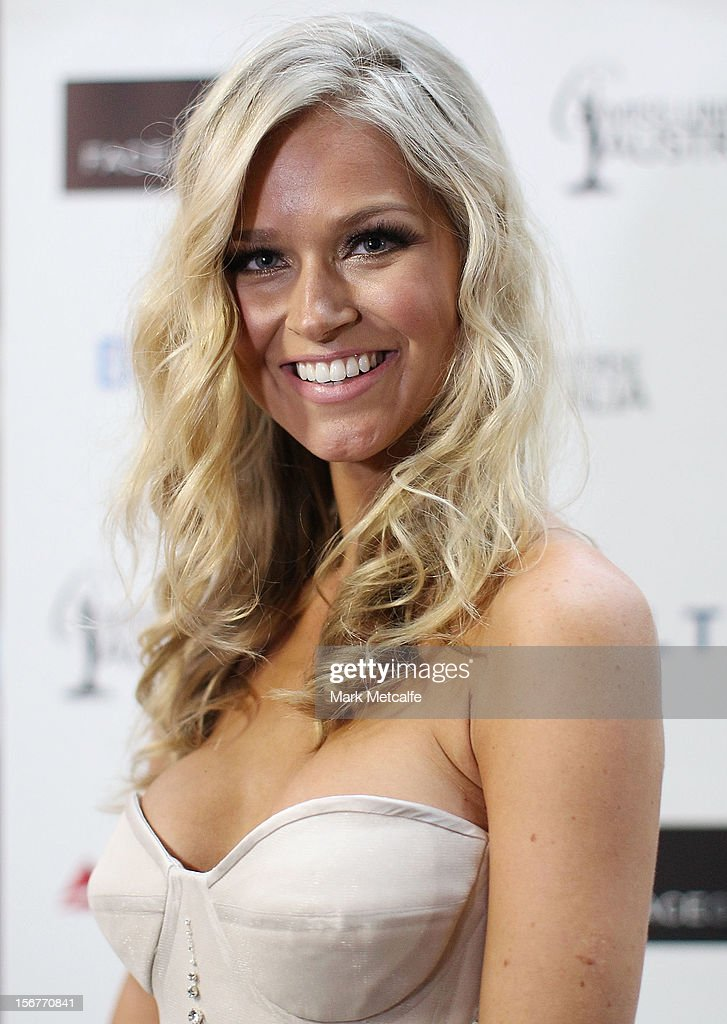 Halloween Costume 77084.Miss Universe Australia Renee Ayris Poses At The Unveiling Of The