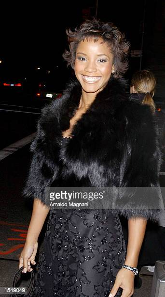 Miss USA 2002 Shauntay Hinton walks to a Metropolitan Museum Gala October 29 2002 in New York City