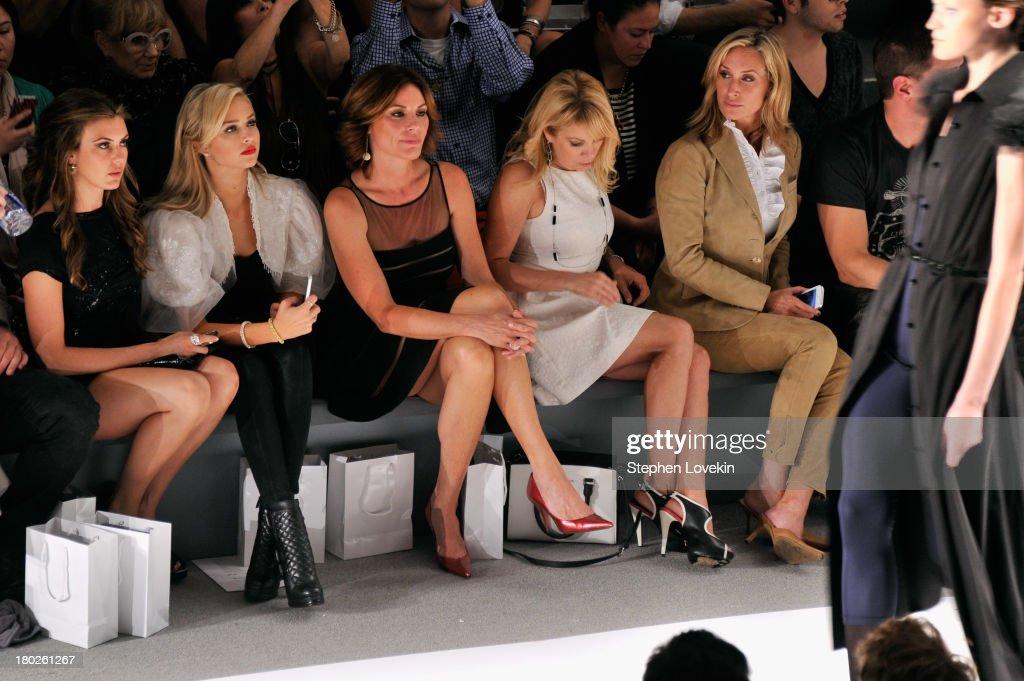 Zang Toi - Front Row - Mercedes-Benz Fashion Week Spring 2014 : News Photo