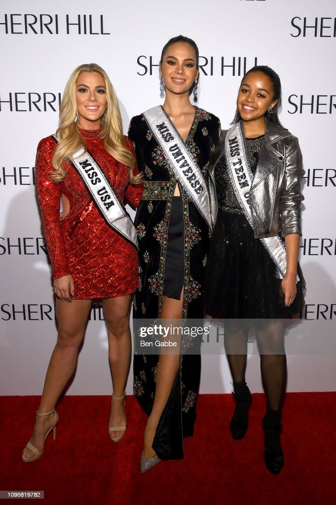 miss universe 2018 & miss puerto rico, top 5 de mu 2018, assiste the sherri hill show durante new york fashion week.  Miss-usa-sarah-rose-summers-miss-universe-catriona-gray-miss-teen-usa-picture-id1095819782