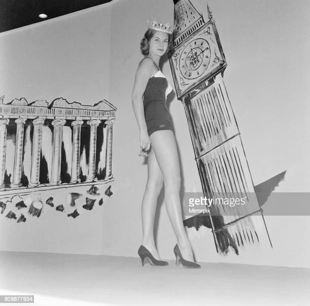 Miss World 1958 Penelope Anne Coelen makes her first appearance as a fashion model 17th November 1958