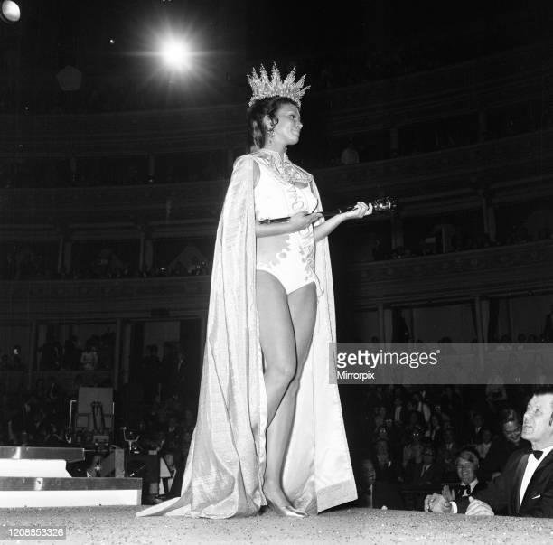 Miss World 1970 Competition at the Royal Albert Hall, London, Miss Grenada Jennifer Hosten is crowned, Friday 20th November 1970.
