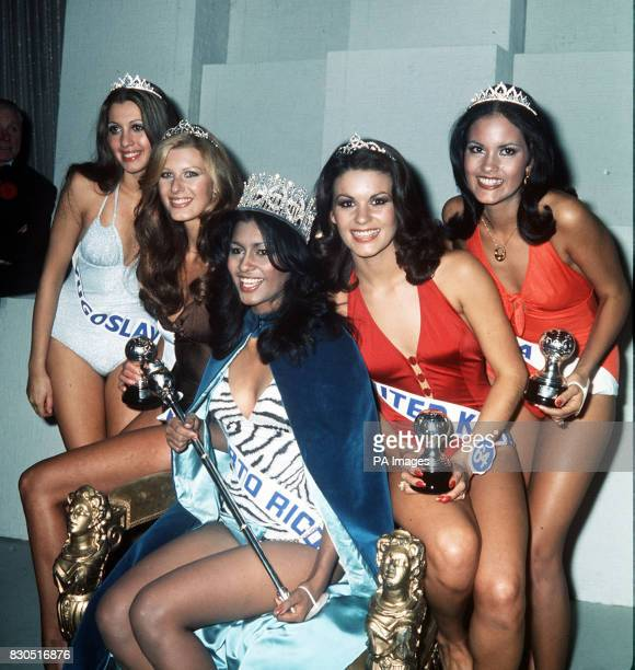 Miss World 1975 Wilnellia Merced of Puerto Rico with the runnersup after the contest in london From left Lidija Velkovska fifth Marina Langner second...
