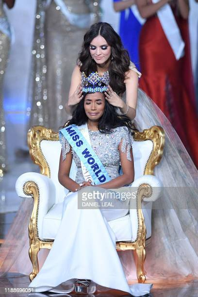 Miss World 2018 Mexico's Vanessa Ponce de Leon crowns Miss World 2019 Miss Jamaica ToniAnn Singh during the the Miss World Final 2019 at the Excel...