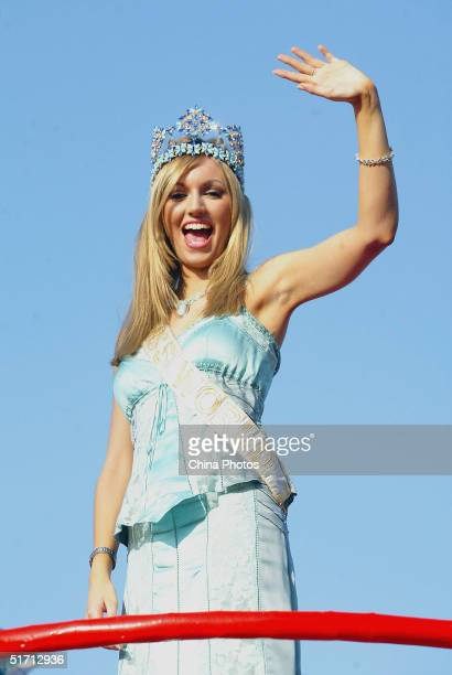 World rosanna diana davison stock photos and pictures getty images miss world rosanna diana davison of ireland waves during a promotional parade on november 9 2004 thecheapjerseys Images