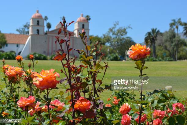 mission park and rose garden adjacent to the old mission santa barbara - mission santa barbara stock pictures, royalty-free photos & images