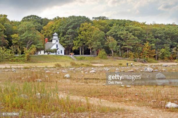 mission point lighthouse (old mission) - traverse city fotografías e imágenes de stock