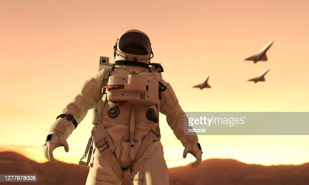 mission to mars - astronaut stock pictures, royalty-free photos & images