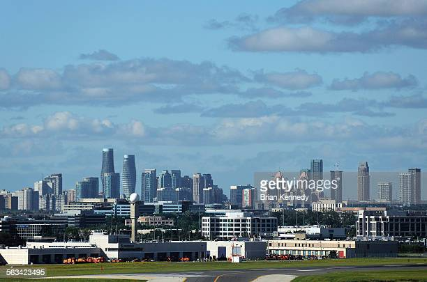 mississauga cityscape - mississauga stock pictures, royalty-free photos & images