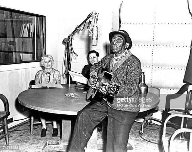 Photo of Mississippi John Hurt Photo by Michael Ochs Archives/Getty Images
