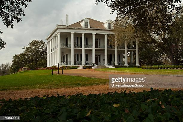 Mississippi Natchez Dunleith only Mississippi house completely encircled by 28 colossal colonnades 1856