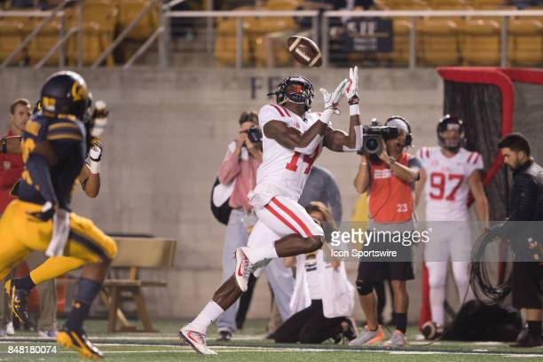 Mississippi Rebels wide receiver DK Metcalf makes a catch during the first quarter between the Ole Miss Rebels and the California Golden Bears on...