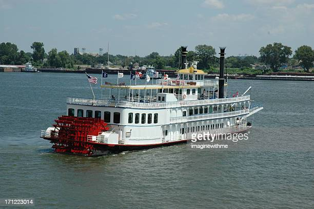 mississippi riverboat - mississippi river stock pictures, royalty-free photos & images
