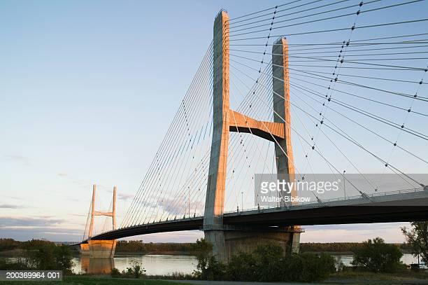 usa, missouri, cape girardeau, the bill emerson memorial bridge - ミズーリ州 ストックフォトと画像