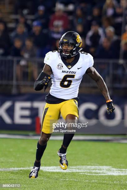 Missouri Tigers wide receiver J'Mon Moore sprints from the line of scrimmage during a college football game between Missouri Tigers and UConn Huskies...