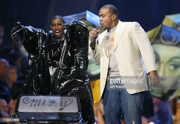 Missy Elliot and Timbaland performing Tribute Performance and Video Vanguard Award