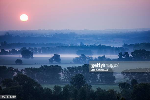 mist at sunrise. - jim craigmyle stock pictures, royalty-free photos & images