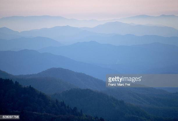 mist over blue ridge mountains, north carolina - appalachia stock pictures, royalty-free photos & images