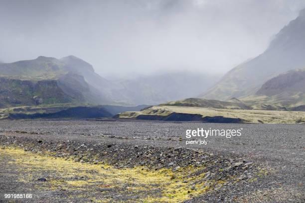 mistery mountains - mistery foto e immagini stock