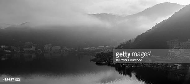 misty morning at lake kawaguchi - peter lourenco stock pictures, royalty-free photos & images